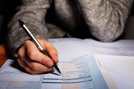 Hallitus perusteli niin sanottua raippaveroa sillä, että veroja kerätään niiltä, joilla on eniten veronmaksukykyä.