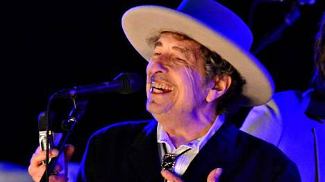 Bob Dylan esiintyi Kentissä kesäkuussa 2012.