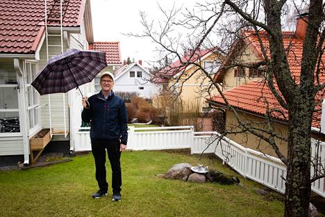 Hannu Riitalan kotitalo Saarniraiviossa sijaitsee tiiviisti rakennetun Espoon keskuksen vieressä.