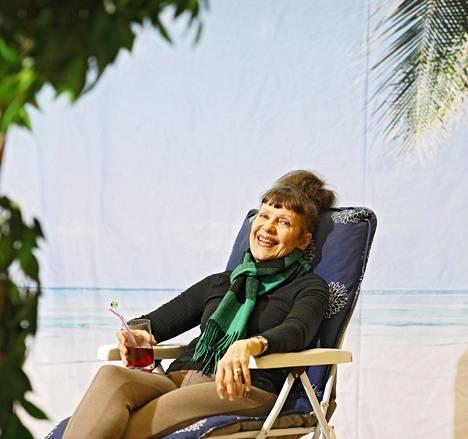 Eeva Eloranta on ollut kevään rantatunnelmissa Jättipotti-komedian kulisseissa.