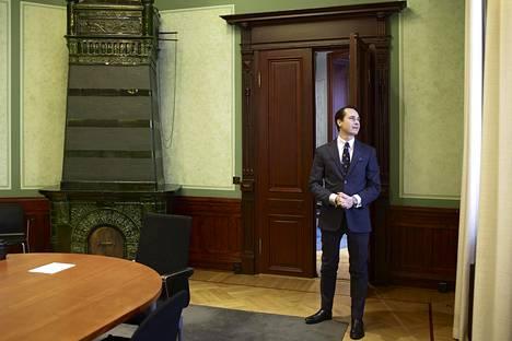 Kaidi Finlandin toimitusjohtaja Carl Haglund ilmoitti vuonna 2016 näyttävästi yhtiön suunnitelmista rakentaa Kemiin biopolttoainejalostamo.