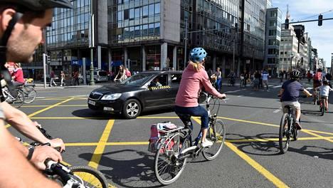 Päätöstä ovat kritisoineet esimerkiksi taksinkuljettajat, mutta päätöksen uskotaan parantavan jalankulkijoiden turvallisuutta. Brysselin keskustaa syyskuussa 2018.