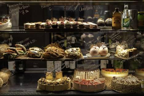 Vitriinin leivonnaiset ovat näyttäviä ja trendikkäitä.