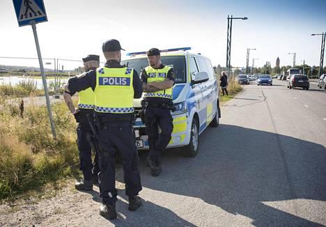 Ruotsalaisia poliieja Haaparannassa viime syyskuussa.