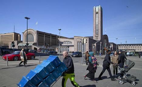 Tältä olisi näyttänyt Sigurd Frosteruksen suunnittelema Helsingin rautatieasema.