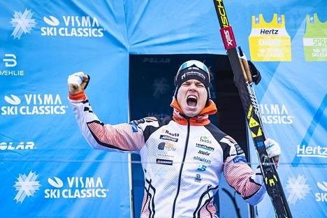 Ari Luusua nousi ensimmäisenä suomalaisena palkintopallille Ski Classics -sarjassa oltuaan kolmas Tšekin osakilpailussa Jizerskassa vuonna 2019.