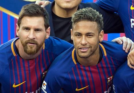 PSG:ssä pelaava Neymar (oik.) on haaveillut siitä, että pääsisi jälleen pelaamaan yhdessä Lionel Messin kanssa.
