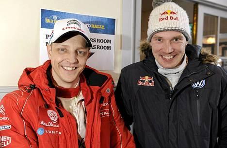 Mikko Hirvonen ja Jari-Matti Latvala ovat aloittaneet Monte Carlo -rallin rauhallisesti.