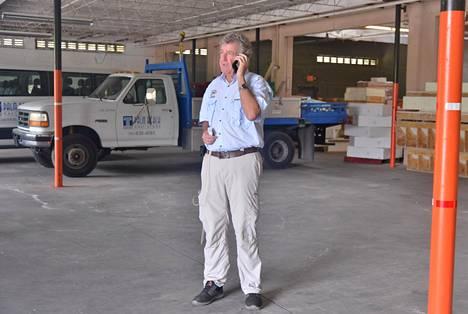 Scott Lewis on ollut kiireinen järjestellessään apua myrskyn kourissa oleville Bahamasaarille.