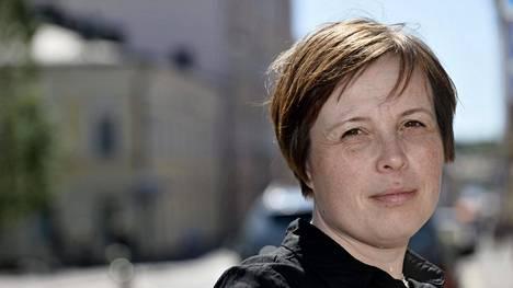 Kirjailija, toimittaja Karin Erlandsson kuvattiin Helsingissä 1. kesäkuuta 2018.