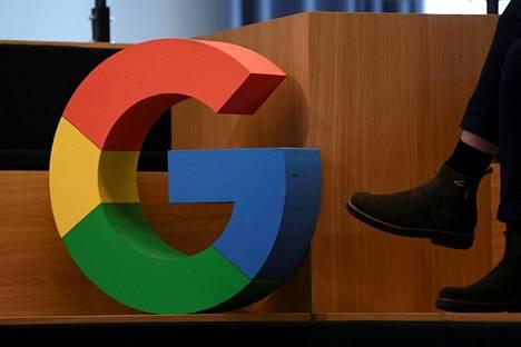 Googlen logo kuvattuna yrityksen Saksan-konttorilla Berliinissä 31. elokuuta.