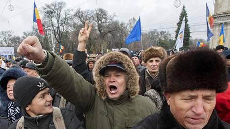Moldovassa on osoitettu mieltä syksystä asti, jolloin hallitus kaatui miljardin euron kadottua pankkisektorilta.