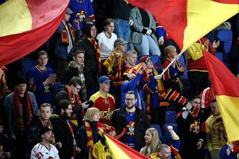 Jokerien jääkiekkofanit ovat kertoneet mielipiteensä KHL:ssä pelaamisesta.
