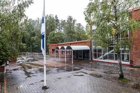 Tiistilän koululla kävi viime viikolla ikävästi, kun oppilas kuoli saatuaan sairauskohtauksen liikuntatunnilla.