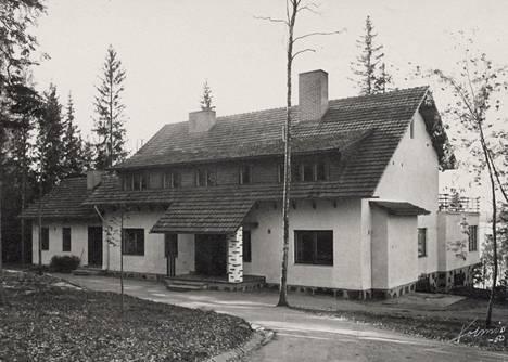 Aropaltioiden oma upea kotitalo valmistui Lauttasaaren Kaakkurikuja 6:een vuonna 1949. Se on ainoa Aropaltion töistä, joka on purettu.