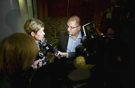 Teknologiateollisuuden varatoimitusjohtaja Eeva-Liisa Inkeroinen ja Teollisuusliiton puheenjohtaja Riku Aalto olivat keskeiset neuvottelijat Teknologiateollisuuden maanantaina syntyneessä sopimuksessa.