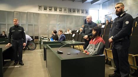 Oikeudenkäynti Abderrahman Bouananea vastaan pidettiin Turun vankilassa. Kuva huhtikuun alusta.