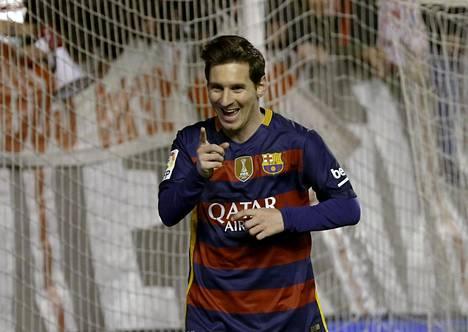 Lionel Messi juhli hattutemppua Rayo Vallecanoa vastaan.
