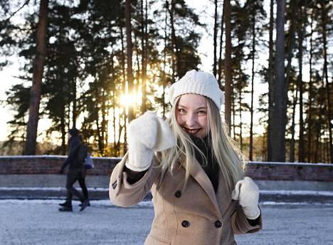 Aino Seppälä, 23, pääsi Jyväskylän yliopistoon lukemaan yhteisöviestintää avoimen yliopiston opintojen ansiosta.