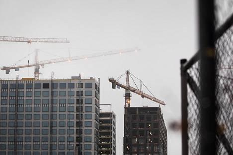 Rakentamisen suhdanteen ennustetaan kääntyvän laskuun ensi vuonna.