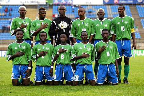 Sierra Leonen alle 17-vuotiaiden poikien maajoukkue virallisessa kuvassa, joka otettiin 14. elokuuta Lahdessa.