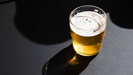 Alkoholin riskikäytön rajat eivät tarkoita sitä, että alkoholin juominen niihin asti olisi haitatonta.