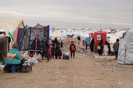 Al-Holin leirillä on ainakin 11 suomalaista naista ja noin 30 suomalaista lasta.