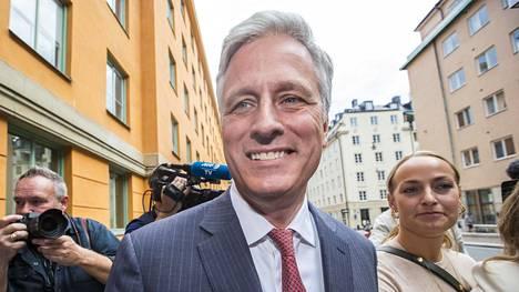 Yhdysvaltain turvallisuusneuvonantajaksi nimitetty Robert O'Brien Tukholmassa elokuun 2. päivänä 2019. O'Brien työskenteli panttivankineuvottelijana ja osallistui yhdysvaltalaisräppäri Asap Rockyn oikeudenkäyntiin.