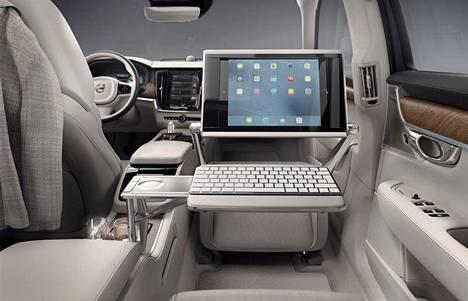 """Volvon uuden luksusmallin huomiota herättävin piirre on etupenkin tilalle rakennettu """"olohuonekonsoli""""."""