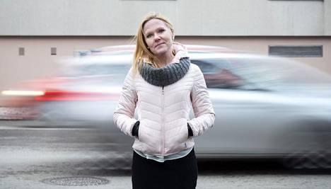 Elina Pekkarinen on toiminut lapsiasiavaltuutettuna keväästä 2019.
