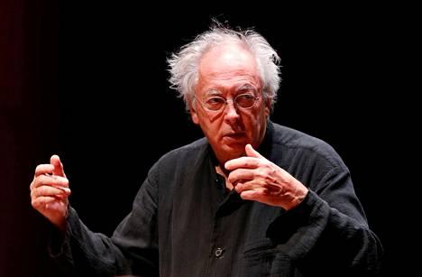 Philippe Herreweghe johtaa Amsterdamin Concertgebouw-orkesteria Helsingissä.