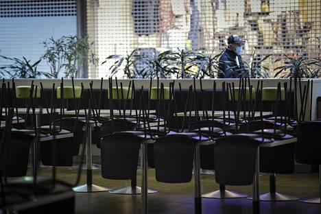 Hallituksen määräyksellä suljetuille ravintoloille suunnattiin 171 miljoonan euron tukipaketti.