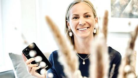 Turusta kotoisin oleva Raisa Räisänen on ollut ruotsalaisen puhelinasusteita myyvän Ideal of Swedenin markkinointijohtaja vuodesta 2018.