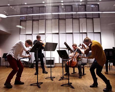 Meta4-kvartetti kuvattuna harjoittelemassa vuonna 2011.