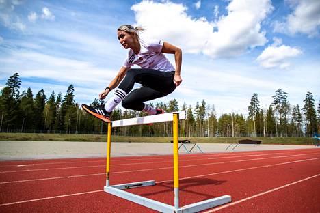 Annimari Korte arvelee, että hänellä on realistinen mahdollisuus yltää 100 metrin aidoissa jopa 12,50 sekunnin loppuaikaan.