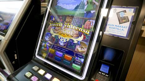 Raha- ja automaattipeleissä on suuri riski ongelmapelaamiseen ja peliriippuvuuteen.