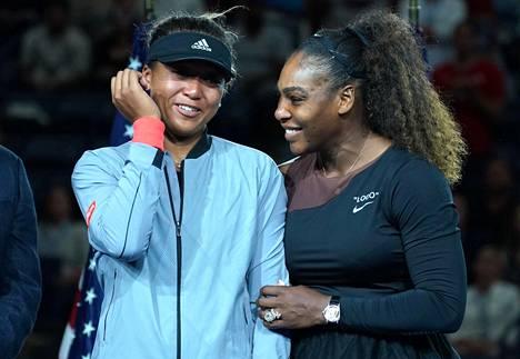 Naomi Osaka ja Serena Williams Yhdysvaltojen avoimessa tennisturnauksessa syyskuussa 2018.