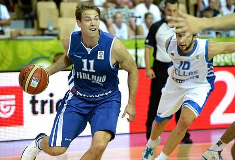 Petteri Koponen keskittyy jatkossakin koripalloiluun.