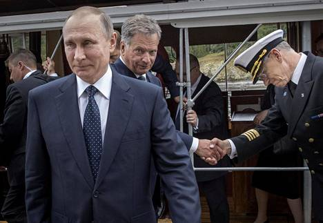 Vladimir Putin ja Sauli Niinistö saapuivat Savonlinnaan S/S Saimaa -höyrylaivalla.