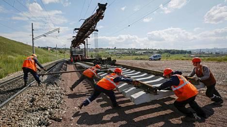 Venäjä | Armeijan joukot alkavat rakentaa rautatietä Venäjän Kaukoidässä, koska koronarajoitukset vähensivät ulkomaista työvoimaa