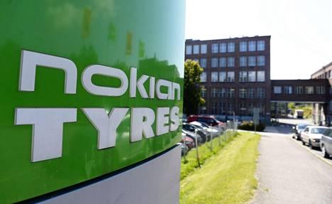 Nokian Renkaiden kurssi on viime aikoina laskenut, koska Euroopan leuto talvi on heikentänyt merkittävästi yhtiön talvirenkaiden myyntiä.