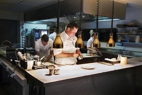 Palace on Royal Ravintoloiden tunnetuimpia ravintoloita. Keittiömestari Eero Vottonen kuvattiin Palacen keittiössä tammikuussa.