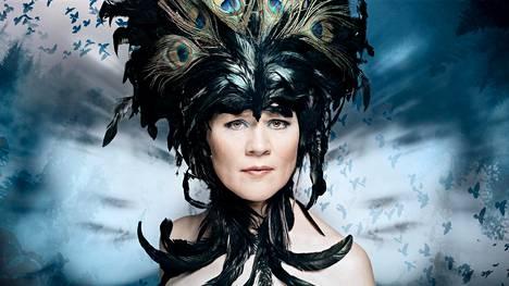 Riikka Talvitie sävelsi Kylmän maan kuningatar -oopperan ja teki sen libreton yhdessä Tommi Kinnusen kanssa.