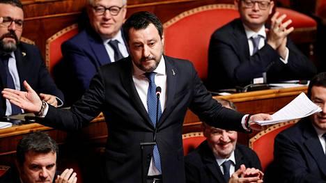 Italian parlamentin ylähuone eli senaatti hyväksyi Matteo Salvinin syytesuojan poistamisen keskiviikkona 12. helmikuuta.