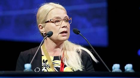 Perussuomalaisten kansanedustaja Leena Meri on yksi Hyvinkään kärkiehdokkaista.