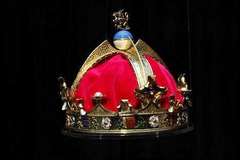 Suomen kuninkaalle suunnitellusta kruunusta on myöhemmin tehty näköiskappale.