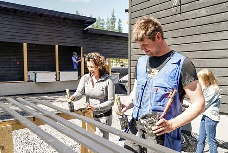 Riina ja Mika Peltola rakentavat Seinäjoen Asuntomessualueelle.