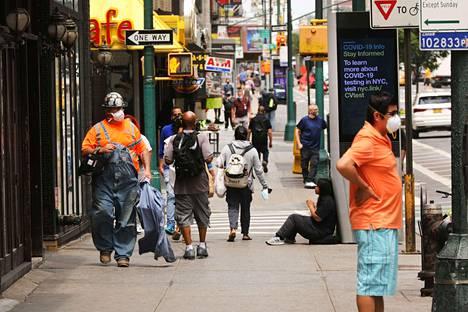 Yhdysvalloissa kymmenet miljoonat ihmiset ovat joutuneet hakemaan työttömyyskorvauksia koronarajoitusten takia.