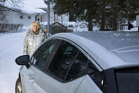 Hilkka Javanainen suspects that female motorists living alone may be in a weaker position than men as workshop customers.