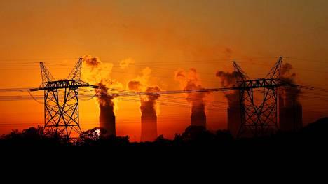 Lethabon lämpövoimala Etelä-Afrikan Sasolburgissa käyttää energianlähteenään hiiltä.